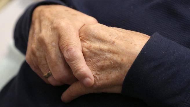 seniorhands